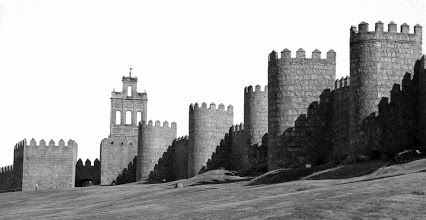 2 Teresa Jesús avila_walls